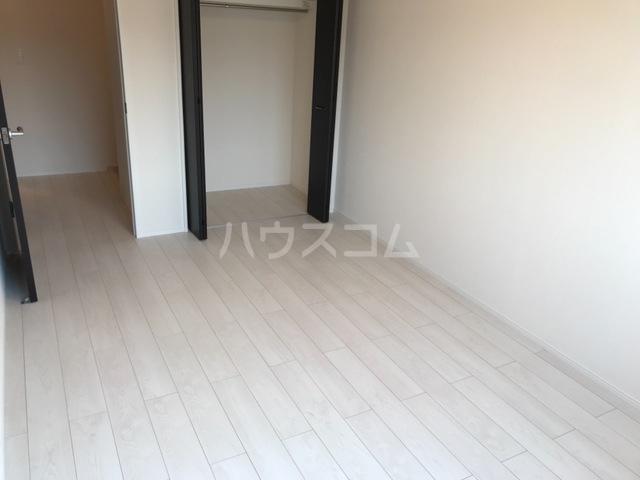 サンライズA 202号室の居室