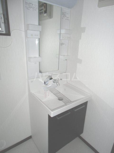 北青柳戸建ての洗面所
