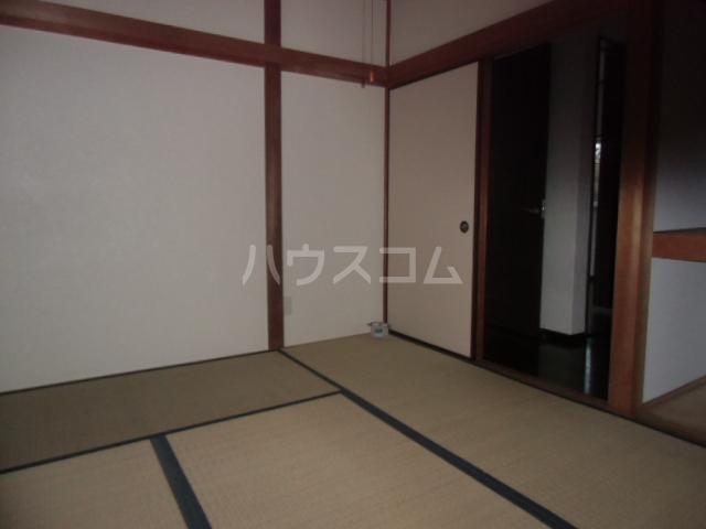 北青柳戸建ての居室