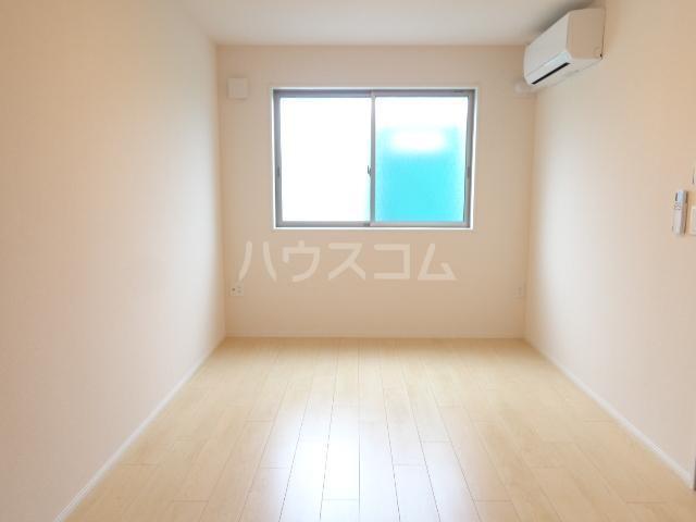 グランベル・ハウス 102号室の居室