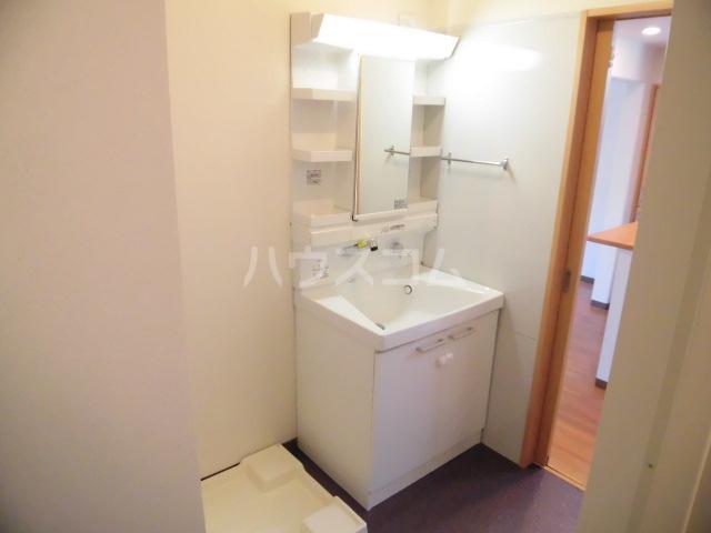 西斗 102号室の洗面所