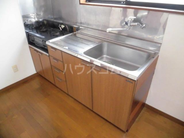 コスモスB 202号室のキッチン