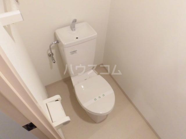 セラヴィー参番館 302号室のトイレ