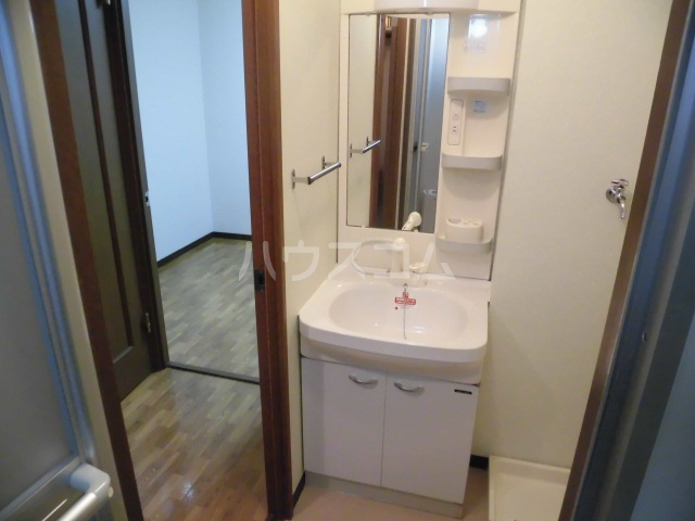 SunRise三番館 102号室の洗面所