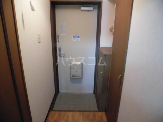 SunRise三番館 102号室の玄関
