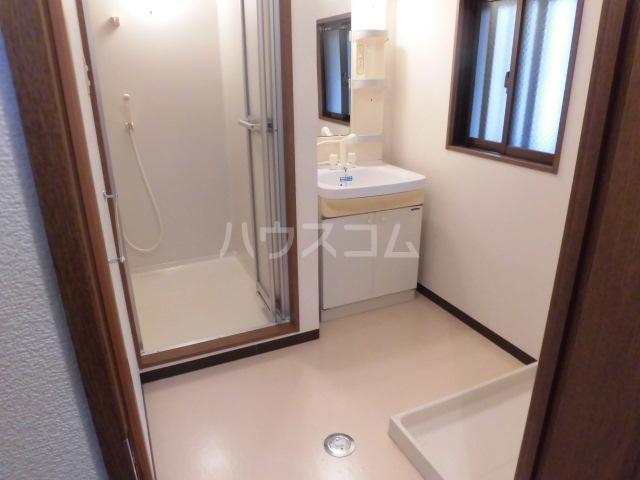 エコパルⅡ 201号室の洗面所