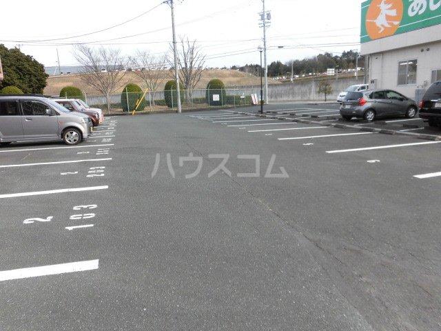 エコパルⅡ 201号室の駐車場