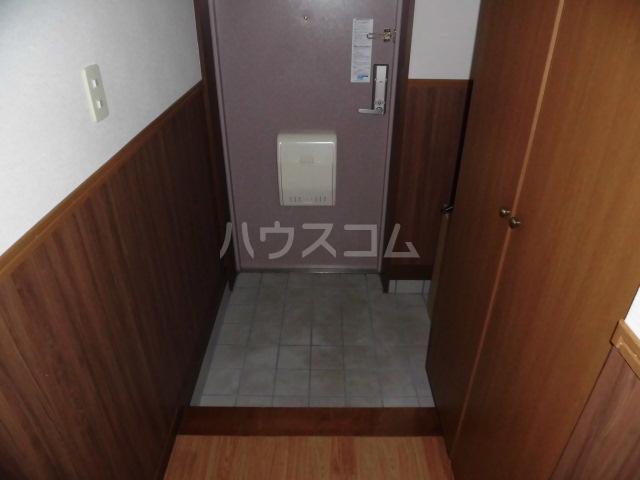 ラフィーネ掛川aⅠ 102号室の玄関