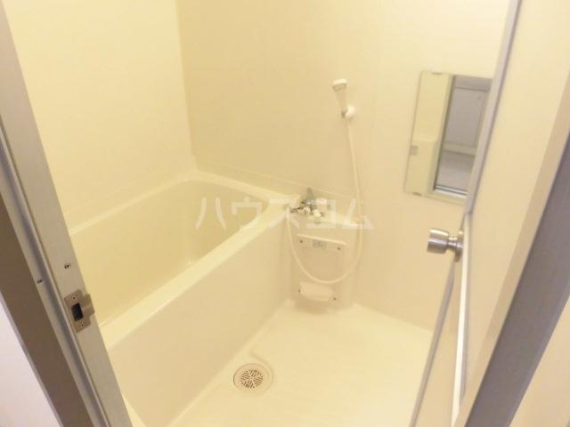 アソシエ 202号室の風呂