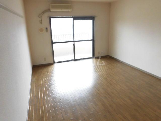 アソシエ 202号室の居室