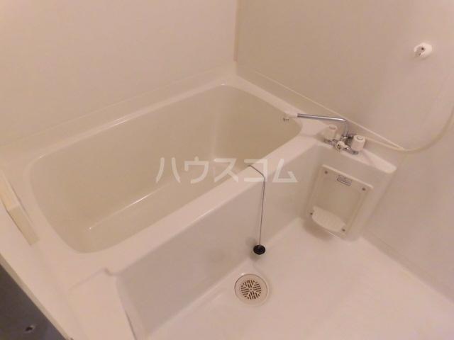 アソシエ 405号室の風呂