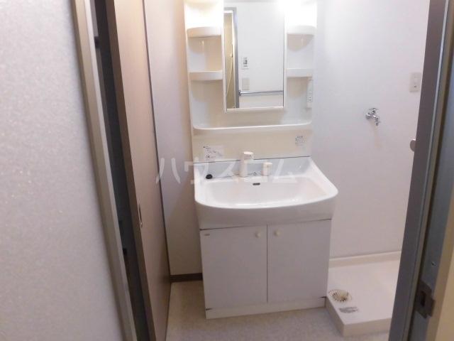 アソシエ 405号室の洗面所