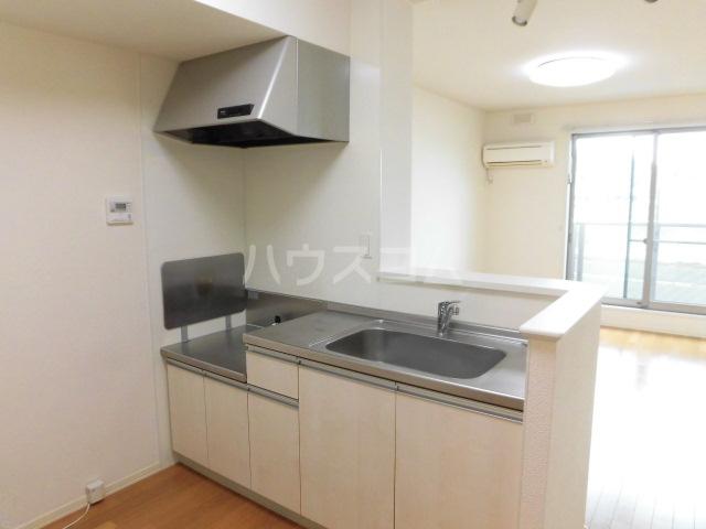 日和 201号室のキッチン