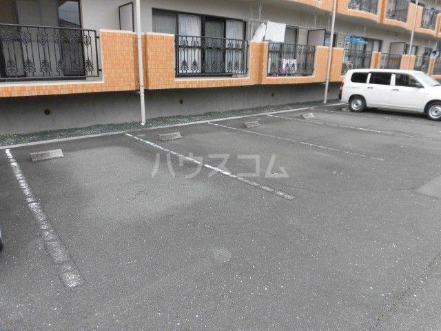 フローリア 105号室の駐車場