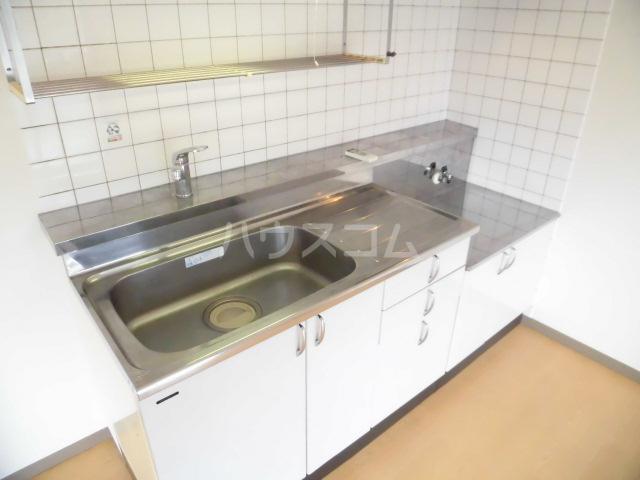 フローリア 105号室のキッチン