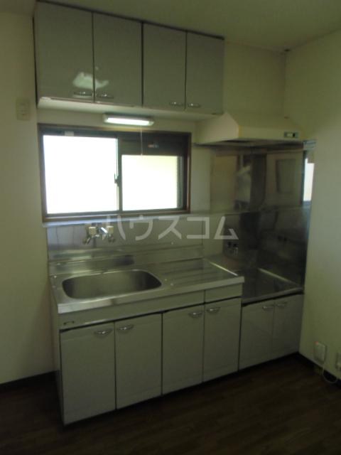 ハイツ百合の木Ⅰ 301号室のキッチン