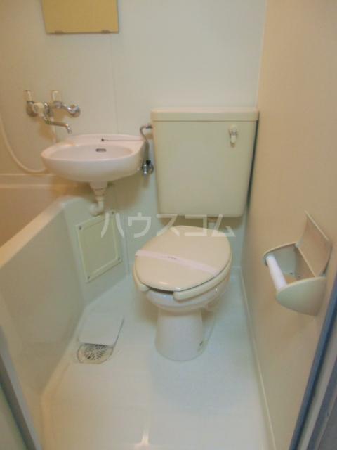 ヒルズM&O 106号室のトイレ
