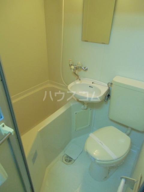 ヒルズM&O 207号室の風呂
