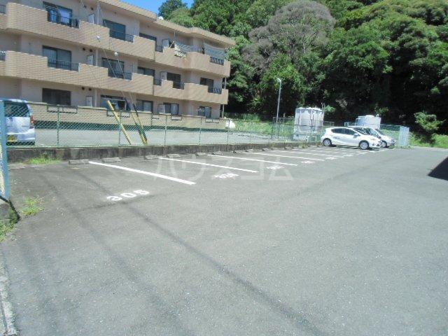ハイツパピリオⅠ 103号室の駐車場