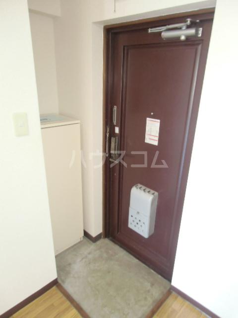 ハイツパピリオⅠ 103号室の玄関