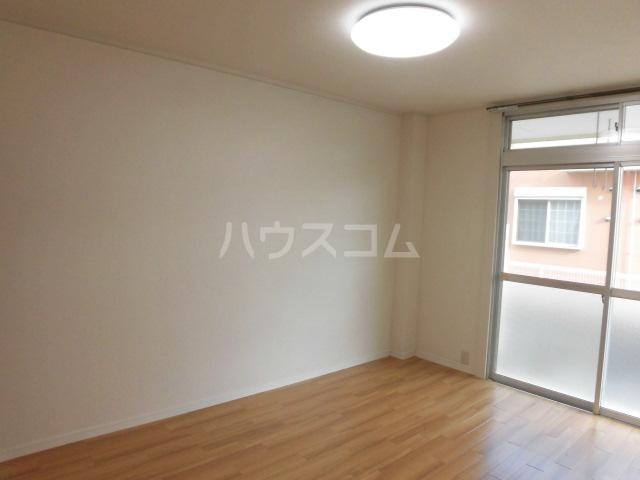 シャト―森平 105号室の居室