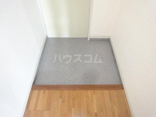 シャト―森平 202号室の玄関