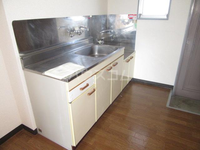 グリーンヒル 402号室のキッチン