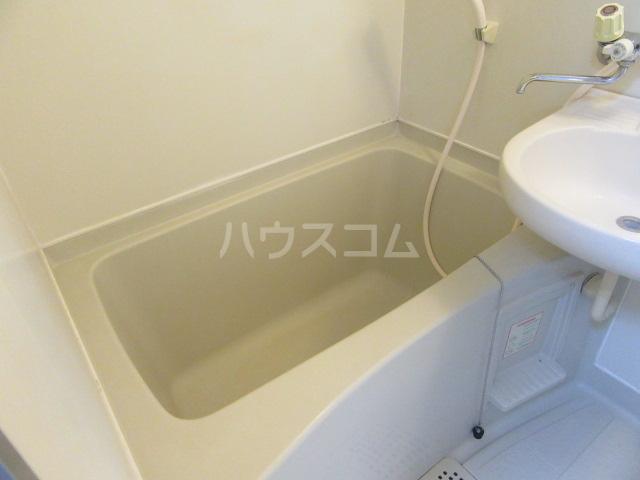 グリーンヒル 402号室の風呂