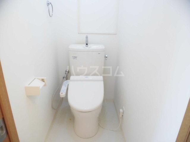レジデンスHARUMI 403号室のトイレ