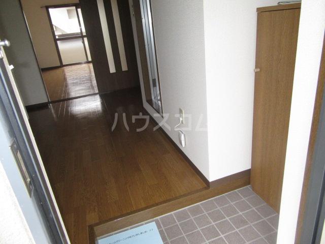 マンションアトランティスⅡ 101号室の玄関