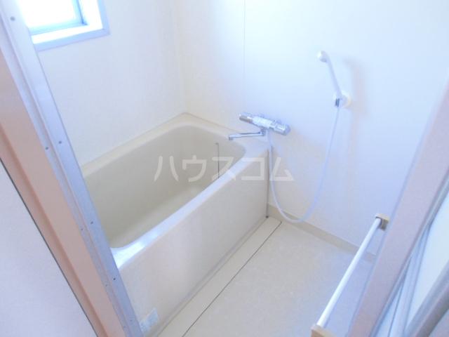 ドミ美 205号室の風呂