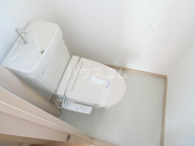 ドミ美 205号室のトイレ