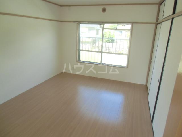 ドミ美 205号室の居室