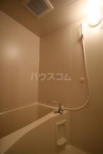 ルースヤハタB 203号室の風呂