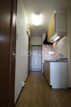 ルースヤハタB 203号室の居室