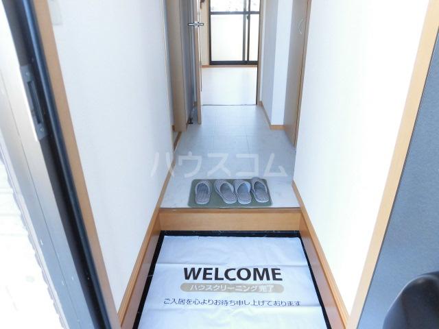 メゾン・ド・リンデン A 101号室の玄関