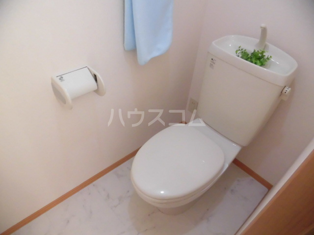 メゾン・ド・リンデン A 101号室のトイレ