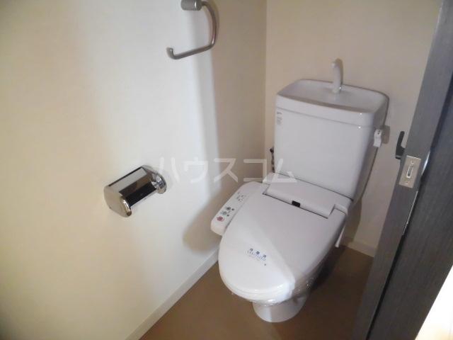 スマイルパークトダビル レジデンス 505号室のトイレ