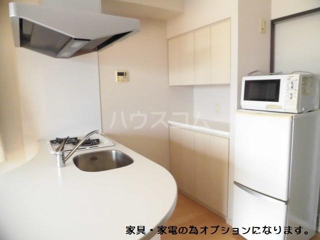 スマイルパークトダビル レジデンス 505号室のキッチン