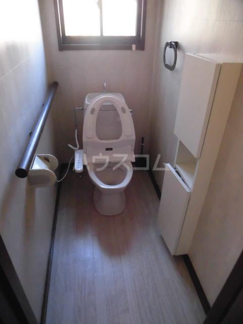 秋葉路貸家のトイレ