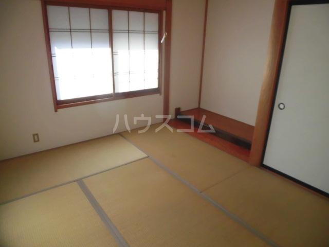 秋葉路貸家の居室