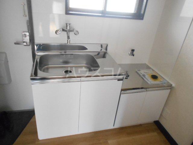 S-ビレッジ島根 202号室のキッチン