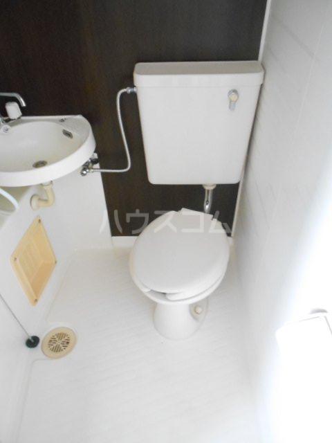 S-ビレッジ島根 202号室のトイレ