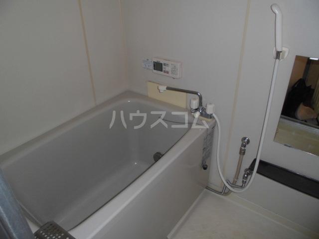 メゾンセジュールA 202号室の風呂