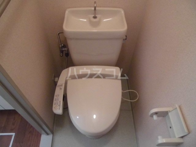 メゾンセジュールA 202号室のトイレ