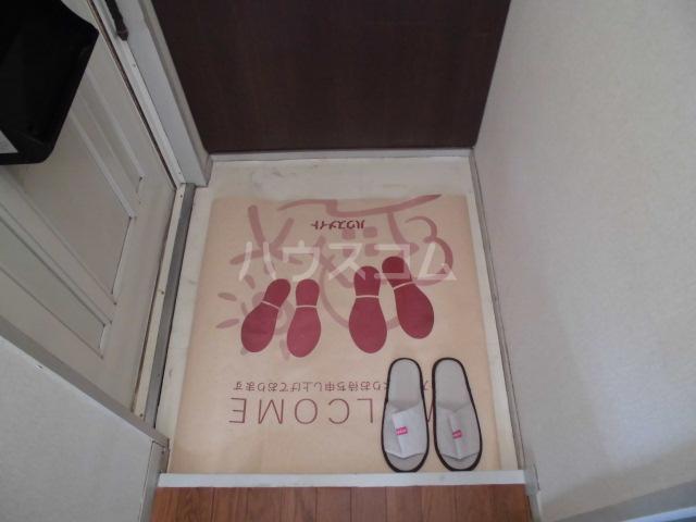 メゾンセジュールA 202号室の玄関