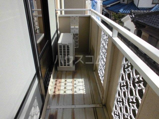 メゾンセジュールA 202号室のバルコニー