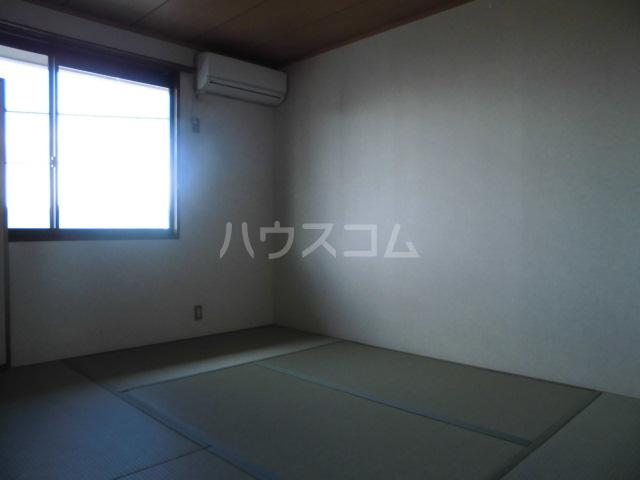 メゾンセジュールA 202号室の居室