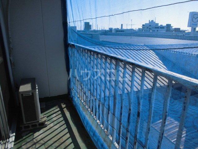 オギハラマンション南棟 201号室のバルコニー