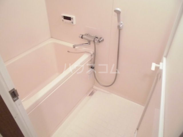 レジデンス・ラ・セーヌ 202号室の風呂